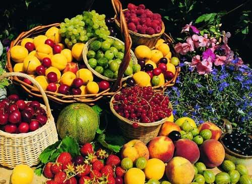 坐月子吃水果有讲究 月嫂指导产妇科学进食