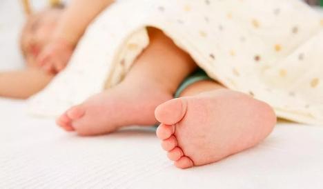 冬季给宝宝洗澡这样做,即舒服还不感冒!